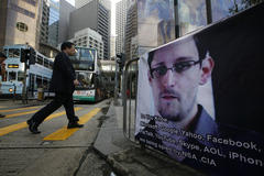 NSA leaker Edward Snowden says in new interview he didn't disclose U.S. military targets